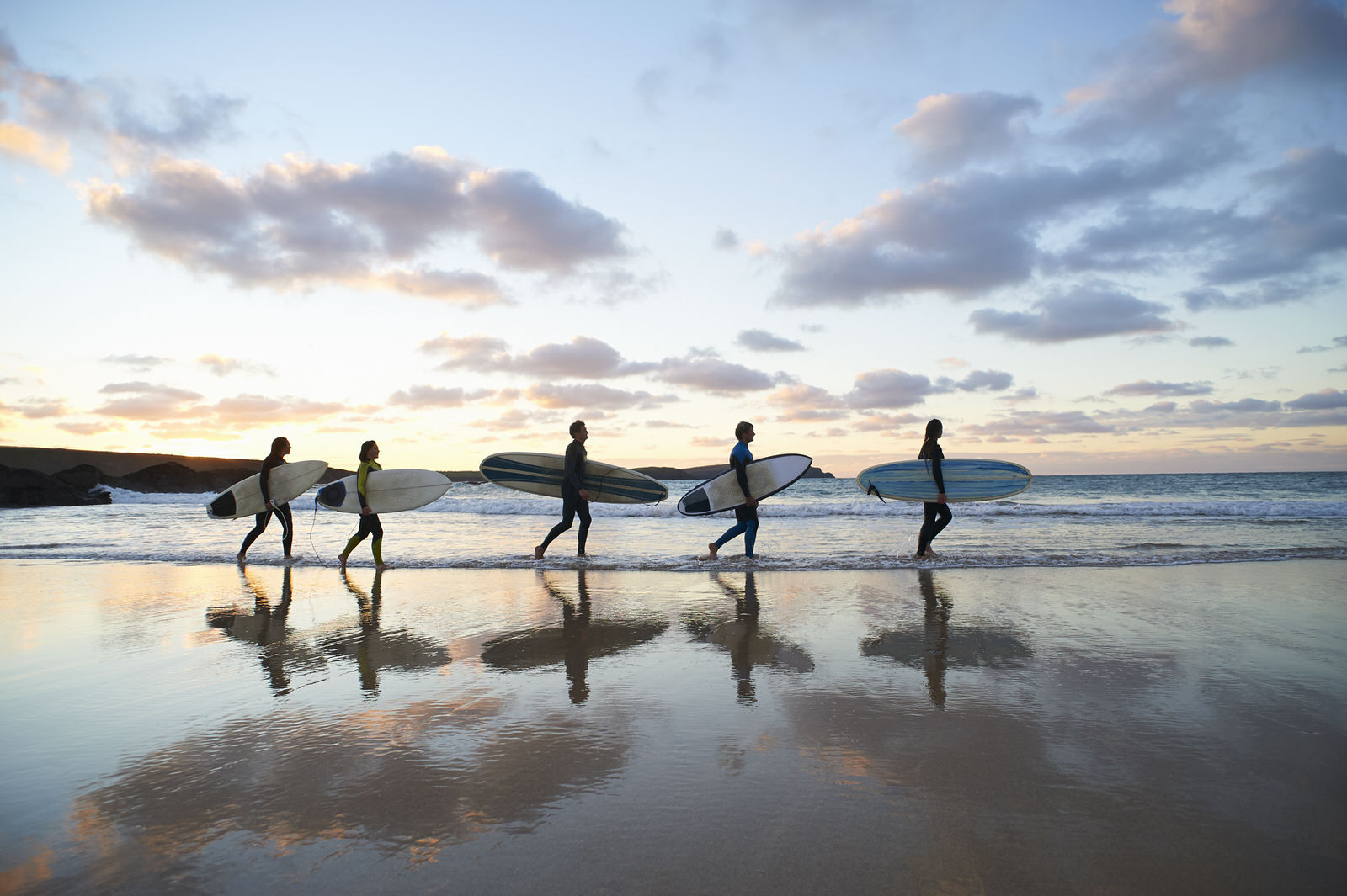 Family surfing and yoga - DFrost Almugar Surf & Yoga